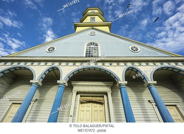 Iglesia de Chonchi, - Iglesia de San Carlos Borromeo-, XVIII-XIX centuries, Monumento Nacional de Chile y patrimonio de la humanidad, Chonchi