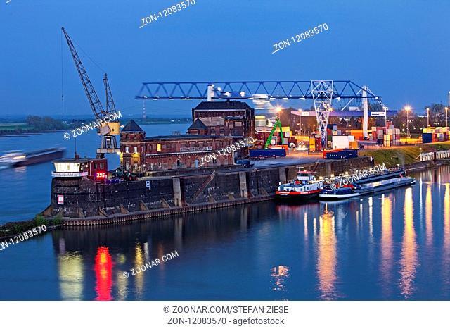 Rheinhafen Krefeld am Abend, Niederrhein, Nordrhein-Westfalen, Deutschland, Europa