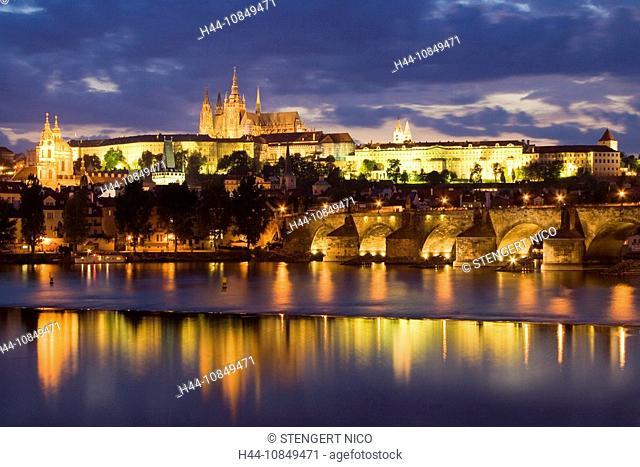 Prague, Czech republic, architecture, castle, castle mountain, dusk, twilight, Europe, city, capital, house, home, Hra
