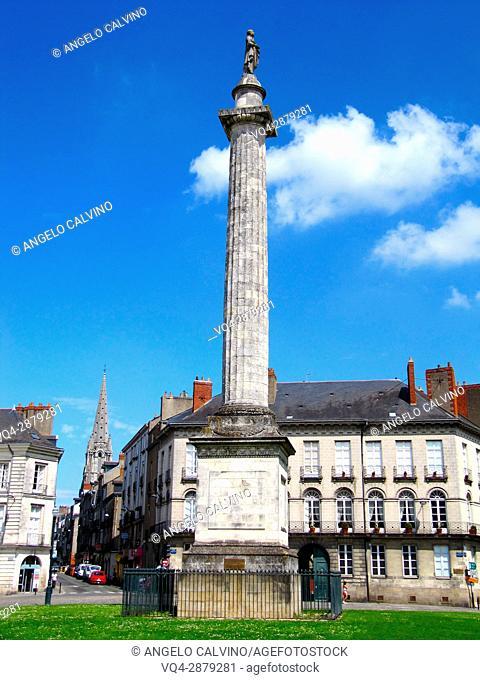 France, Loire Atlantique, Nantes, place du Maréchal Foch, statue of Louis XVI on a column.