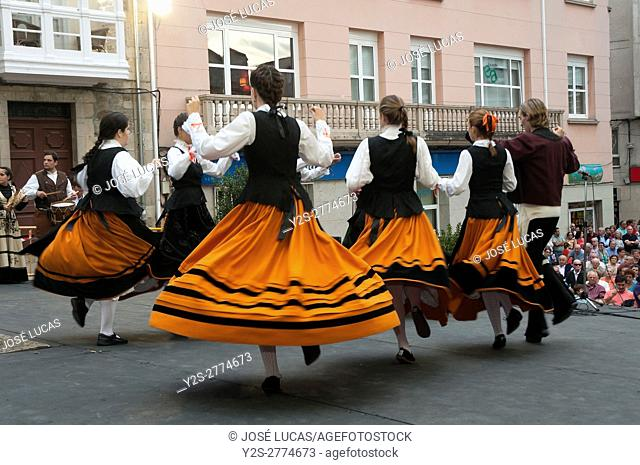 Traditional dances, Festivities of the Virgin of Monserrat, Monforte de Lemos, Lugo province, Region of Galicia, Spain, Europe