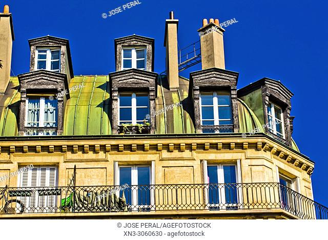 Rooftops with garrets in the center of Paris, Paris, France, Europe