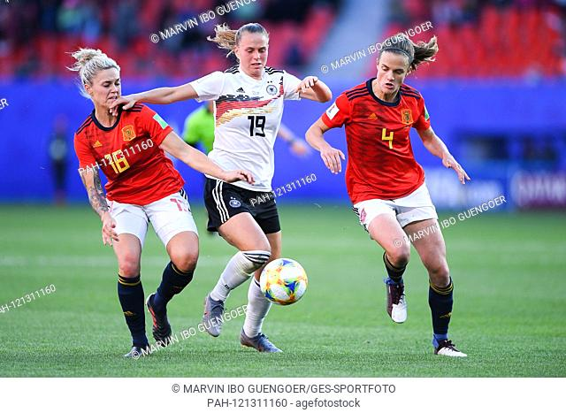 left to right Linda Dallmann (Germany), Klara Buehl (Germany), Irene Paredes (Germany). GES / Football / FIFA Women's World Cup 2019: Germany - Spain, 12