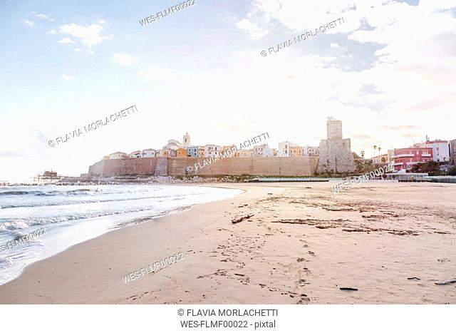 Italy, Molise, Termoli, Old town with Castello Svevo, view from beach