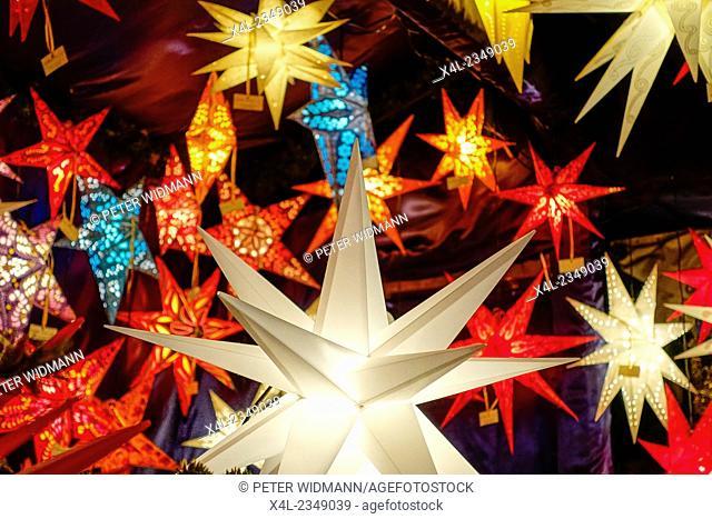 Illuminated Stars at the Christmas market, Chriskindlesmarkt in Nuremberg, Middle Franconia, Bavaria, Germany, Europe