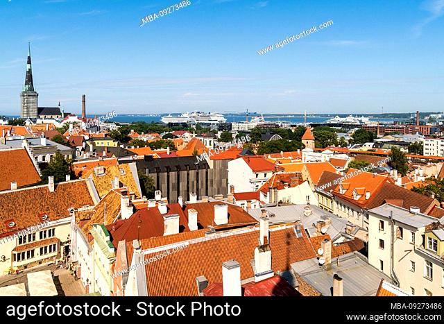 Estonia, Tallinn, view from the town hall towards the old town and harbor