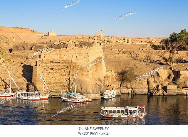 View towards Khnum ruins on Elephantine Island, Aswan, Upper Egypt, Egypt, North Africa, Africa