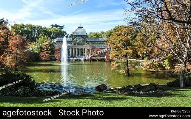 El Palacio de Cristal. El Retiro Park. Madrid. Spain