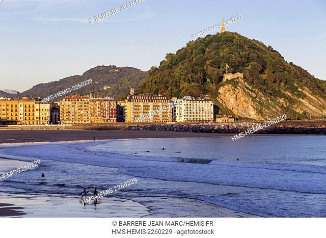 Spain, Basque Country, Guipuzcoa province (Guipuzkoa), San Sebastian (Donostia), European capital of culture 2016, Zurriola Beach