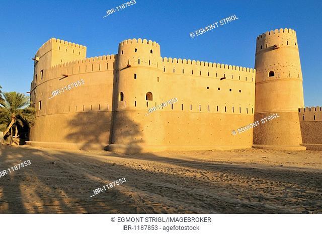Historic adobe fortification, Jaalan Bani Bu Hasan Fort or Castle, Sharqiya Region, Sultanate of Oman, Arabia, Middle East