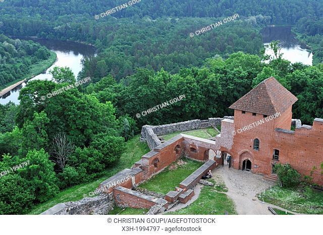 Medieval brick castle overhanging the Gauja River, Turaida Museum Reserve, Sigulda, Gauja National Park, Vidzeme Region, Latvia, Baltic region, Northern Europe