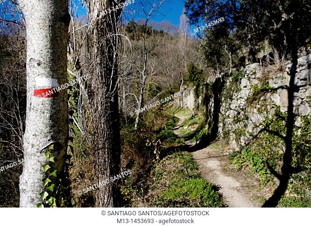 Route of Camino del Agua. Walking in the Sierra de Francia Salamanca