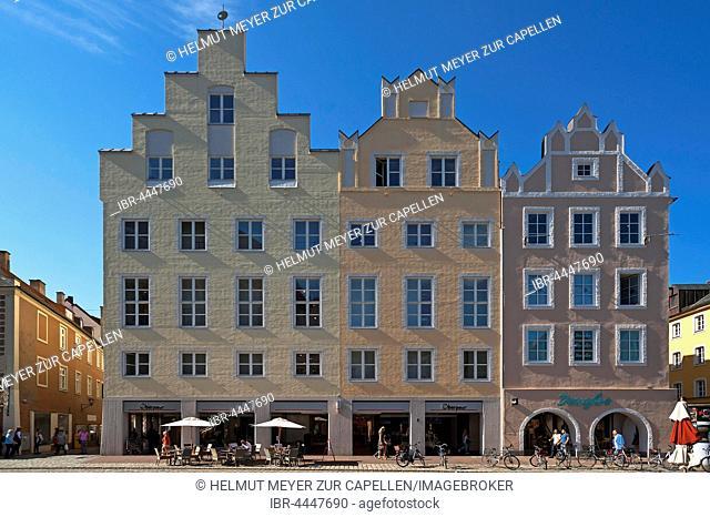 Alte Bürgerhäuser, row of historic houses, pedestrian area, historic centre, Landshut, Lower Bavaria, Germany