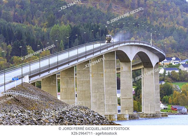 Tresfjord Bridge, Tresfjordbrua, 1290 m long, in Vestnes Municipality in Møre og Romsdal county, Norway, Europe