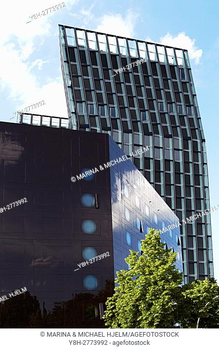 Dancing Towers and Arcotel Onyx Hotel; Reeperbahn; Hamburg; Germany