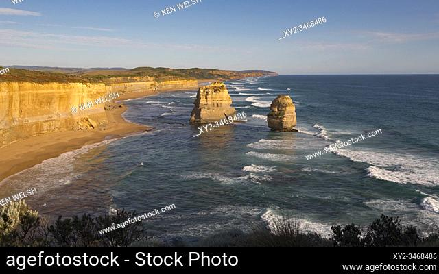 Limestone stacks formed by erosion in the Port Campbell National Park, near Port Campbell, Great Ocean Road, Victoria, Australia