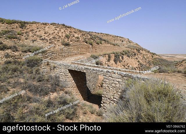 Azaila, Poblado Ibero del Cabezo de Alcala (Monumento Historico-Artistico). Rampart, pit and bridge. Bajo Martin, Teruel, Aragon, Spain