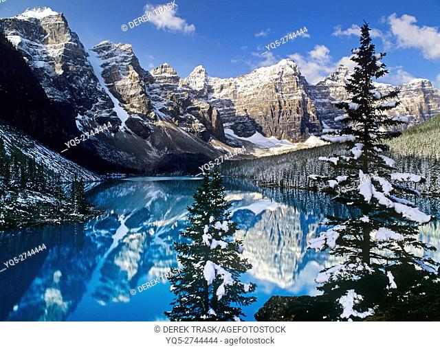 North America, Canada, Alberta, Banff National Park, Moraine Lake, Valley of the Ten Peaks