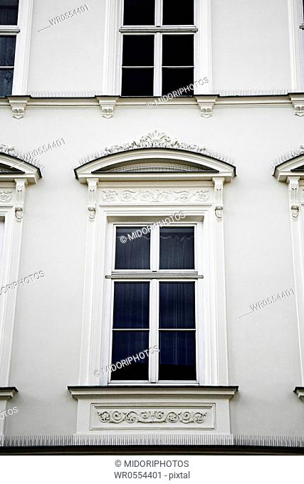 Large window in old style