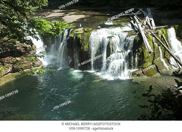 Falls on the Lewis River, Washington, USA