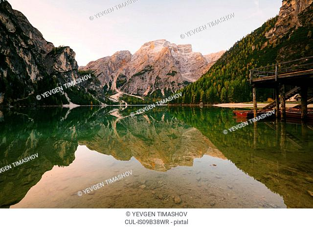 Lago di Braies, Dolomite Alps, Val di Braies, South Tyrol, Italy