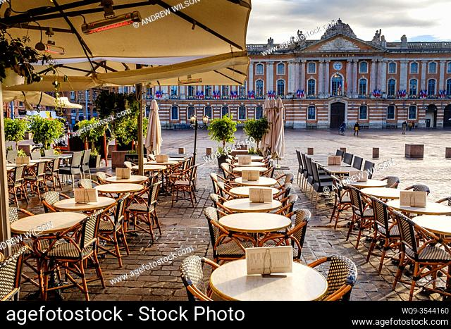 Cafe in the Place du Capitol, Toulouse, France