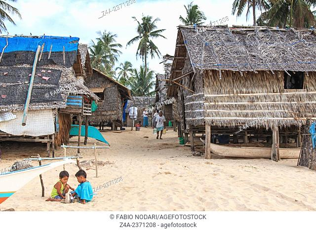 Nacpan, Philippines: Local people in a Fishing village at Nacpan Beach, Palawan in the Philippines