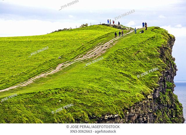 Cliffs of Moher, Aillte an Mhothair, Atlantic Ocean, County Clare, Ireland, Europe