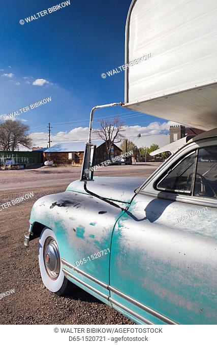 USA, Nevada, Great Basin, Goldfield, old car