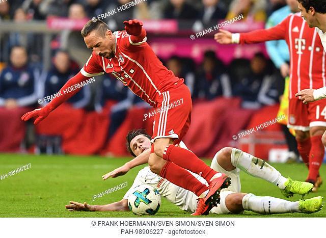 Thomas DELANEY (Werder Bremen),Aktion,duels versus Franck RIBERY (FC Bayern Munich). Fussball 1. Bundesliga, 19.matchday,matchday19