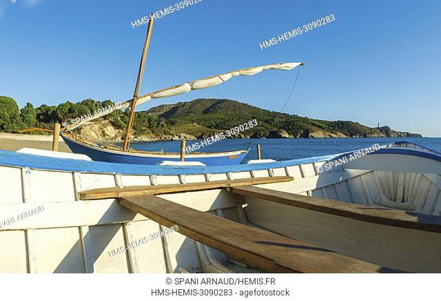 France, Pyrenees Orientales, Port Vendres, Paulilles Anse registered site, typical catalan boat
