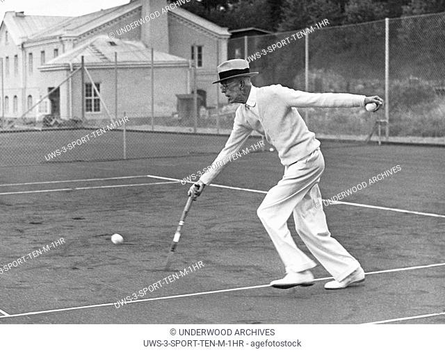 Stockholm, Sweden: June 23, 1939 King Gustaf of Sweden inaugurating the new tennis grounds at age 81