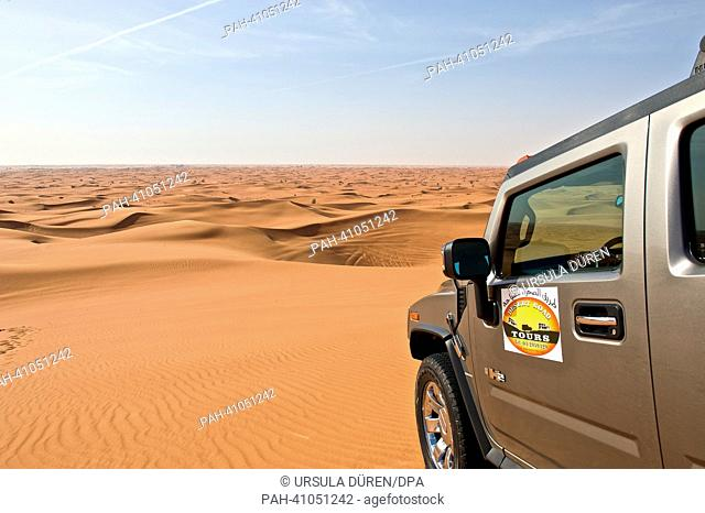 Drive in the desert of Dubai, United Arab Emirates, 19 March 2013. Photo: URSUAL DUEREN | usage worldwide. - Dubai/United Arab Emirates