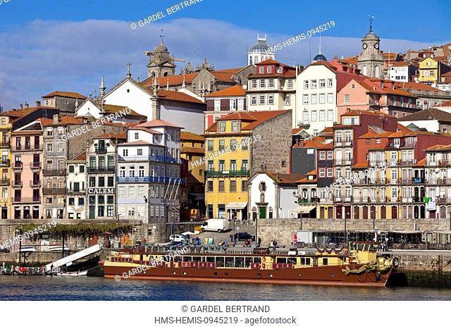 Portugal, Norte Region, Porto, historical center listed as World Heritage by UNESCO, Cais de Ribeira historical district