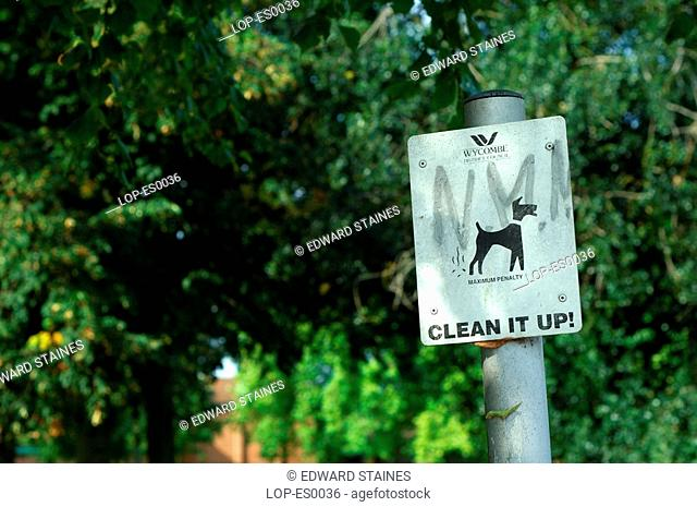 England, Buckinghamshire, Marlow, Council 'clean it up' sign in Marlow. The name Marlow is Anglo Saxon and means 'land remaining after the draining of a pool'