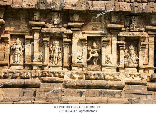 Carved idols on the wall. Brihadeeswarar Temple, Gangaikonda Cholapuram Thanjavur, Tamil Nadu