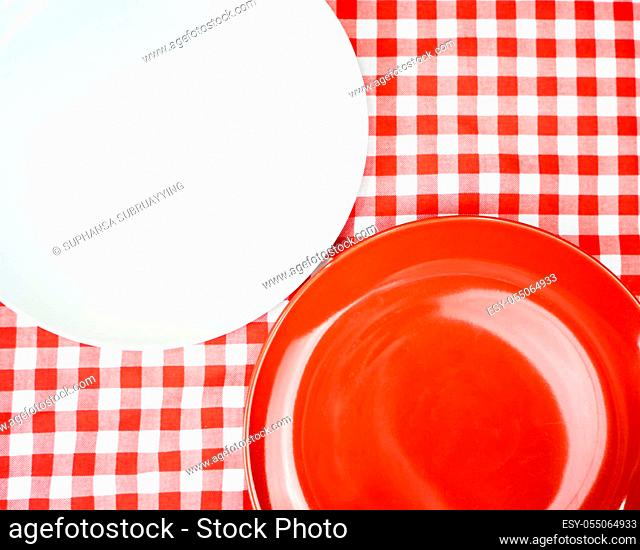 Blank Ceramic plate or dish on dinner table with copy space