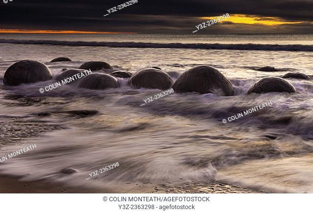 Winter dawn, Moeraki boulders, Otago, New Zealand