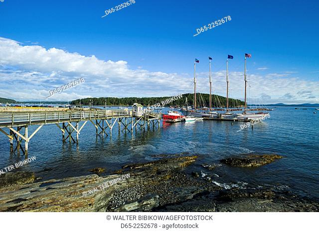 USA, Maine, Mt. Desert Island, Bar Harbor, tall ship, Frenchman Bay, morning