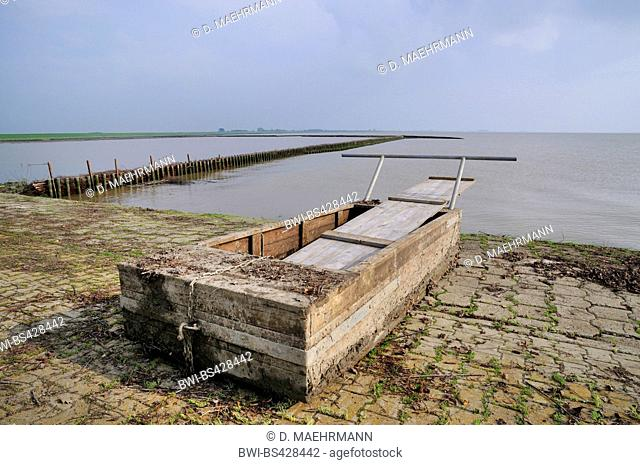 sludge sled for the reparation of groynes, Germany, Lower Saxony, East Frisia, Ditzum