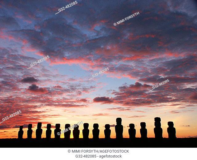 dawn at Ahu Tongariki, Rapa Nui (Easter Island, Isla de Pascua)