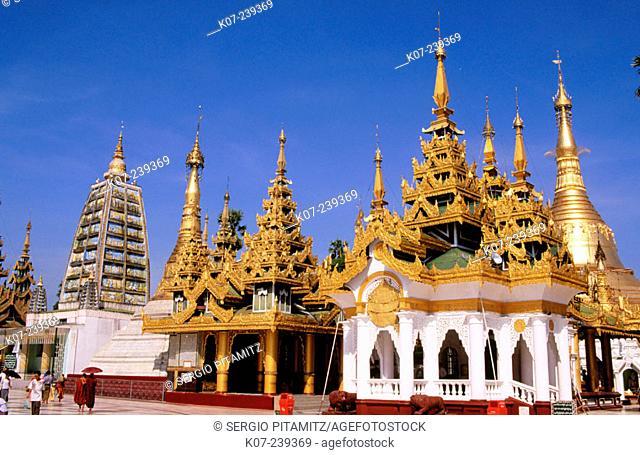 Shwe Dagon Pagoda. Yangon. Yangon division. Myanmar (Burma)