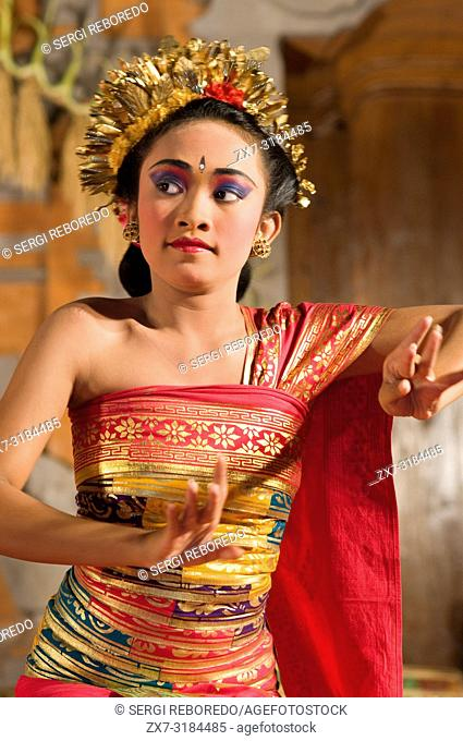 Traditional Balinese Legong dance at the Ubud Palace, Ubud, Bali, Indonesia