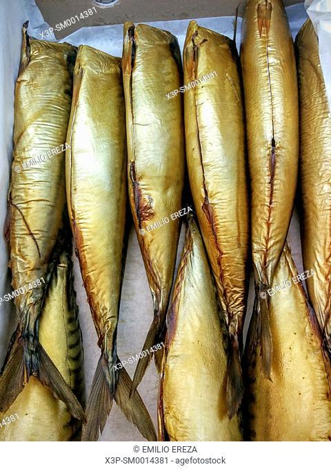 Smoked mackerels