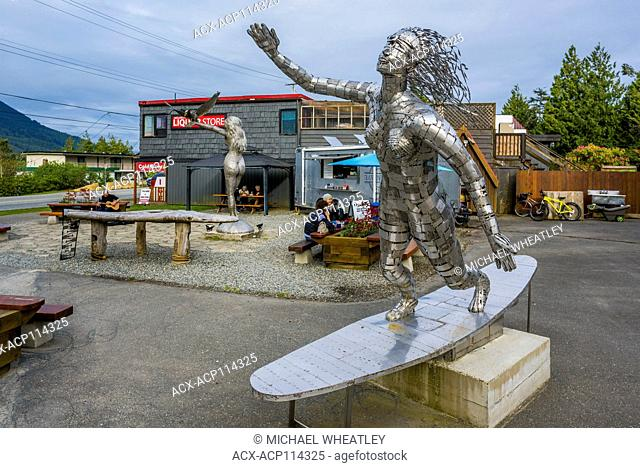 Metal sculpture and Raven Lady Oysters food truck, Ucluelet, Vancouver Island, British Columbia, Canada