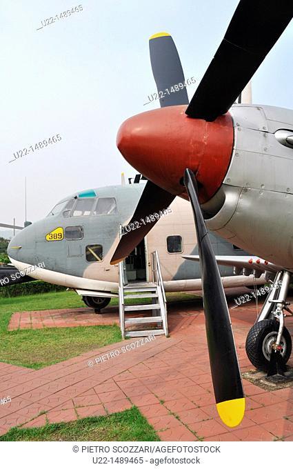 Seoul (South Korea): airplanes displayed at the War Memorial of Korea