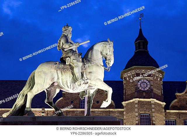 Jan Wellem Monument and town hall at night, Düsseldorf, North Rhine-Westphalia, Germany