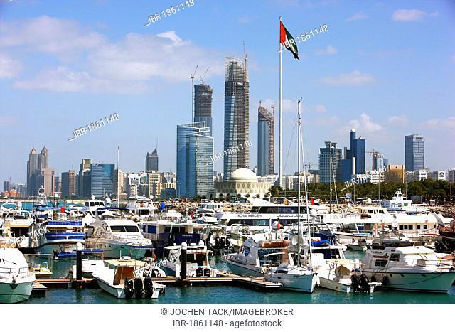 Skyline, cityscape, marina on the corniche of Abu Dhabi, United Arab Emirates, Middle East
