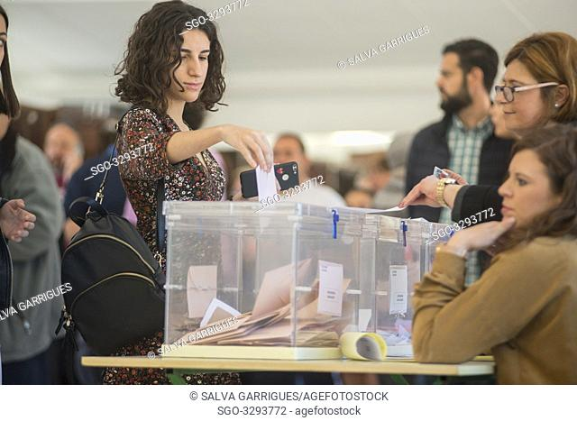 Carcaixent, Valencia, Spain, April 28, 2019. The citizens of Spain exercise their right to Bori by entering the papers at the polls