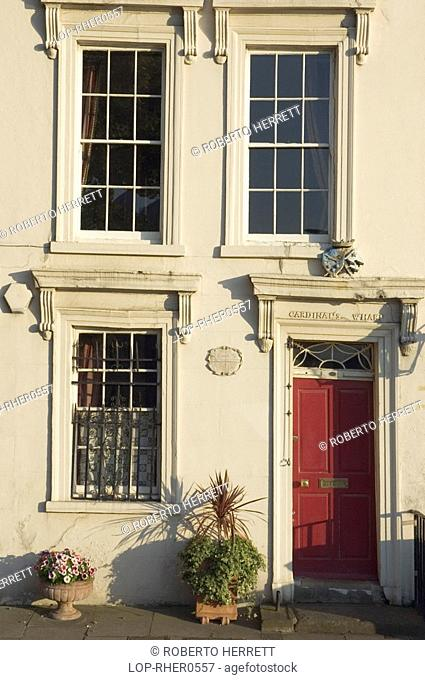 England, London, Bankside, The facade of a 17th Century house at Cardinals Wharf